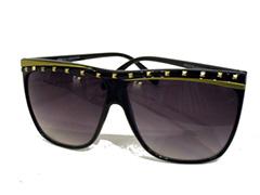 Mustat aurinkolasit niittikoristeilla - Design nr. 841 10077c29e1